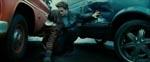 Edward redder (på romantisk vis) Bella fra en bilulykke