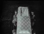 Madeleine hentes af de levende døde.
