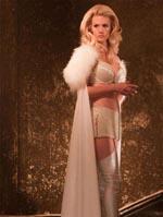 January Jones som Emma Frost, der ser ud præcis, som Emma Frost skal se ud - let påklædt og med store bryster. We like.