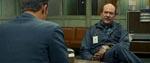 Politiet taler med deres hovedmistænkte, Arthur Leigh Allen (John Carroll Lynch)