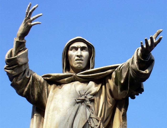 Statue af Girolamo Savonarola på Piazza Savonarola i Firenze.
