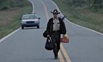 Rick på landevejen i første afsnit af 'The Walking Dead'